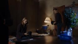 TG-Caps-1x11-3-X-1-59-Caitlin-Reed