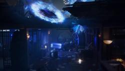 TG-Caps-1x02-rX-110-Portal-malfunctions