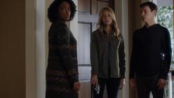 TG-Caps-1x10-eXploited-58-Paula-Caitlin-Reed