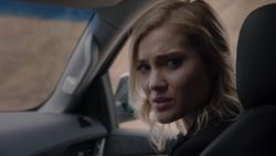 TG-Caps-1x13-X-roads-57-Sophie
