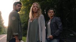 TG-Caps-1x03-eXodus-133-Eclipse-Caitlin-Thunderbird