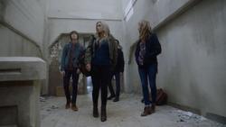 TG-Caps-1x11-3-X-1-72-Andy-Reed-Lauren-Caitlin