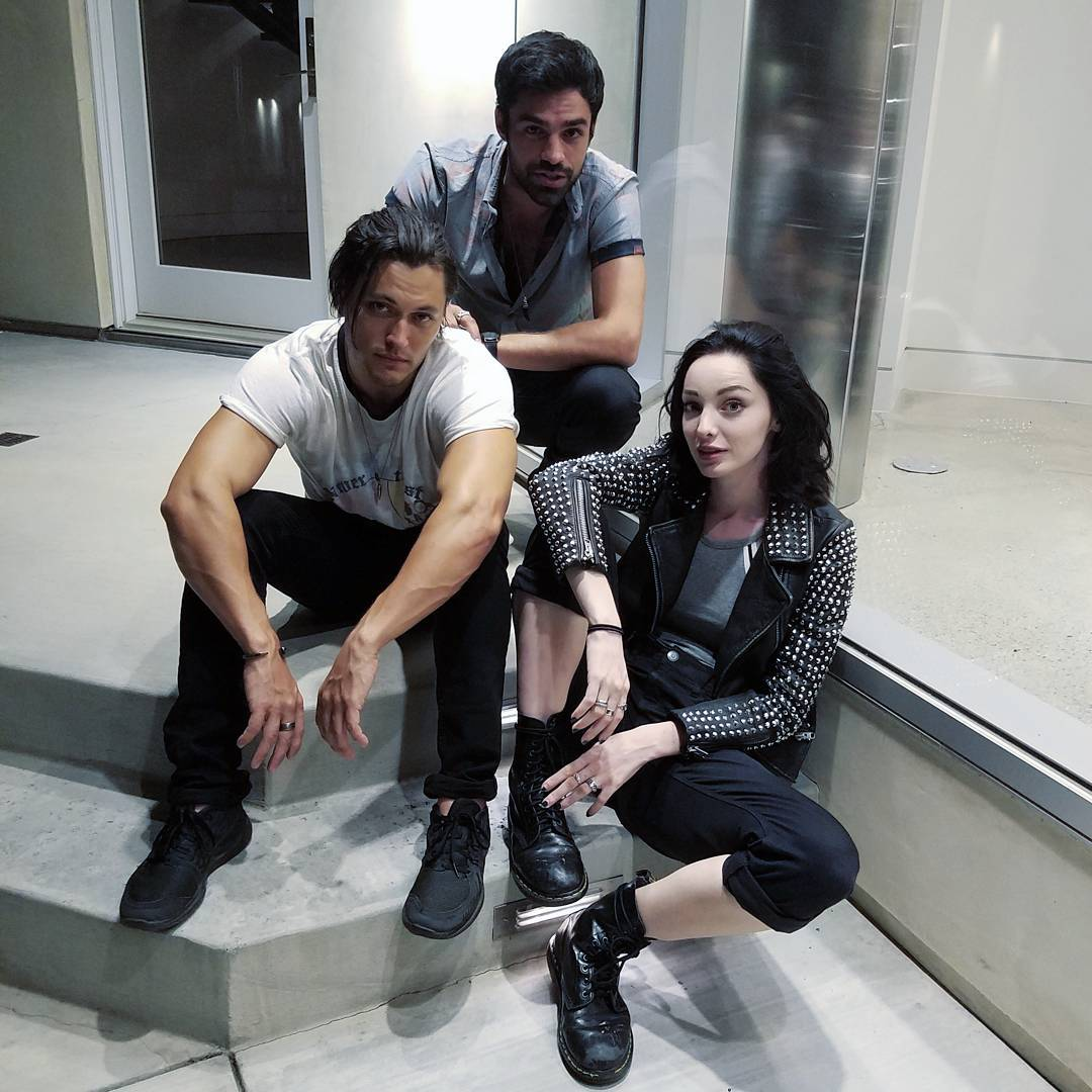 Image - BTS Emma Dumont, Blair Redford, and Sean Teale.jpg | The ...