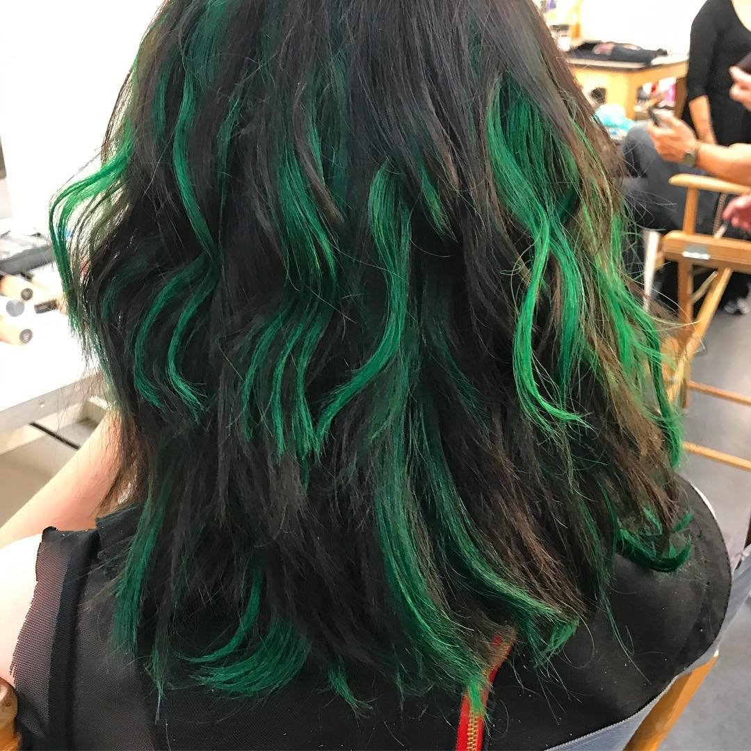Image Bts Emma Dumont Green Hair Jpg The Gifted Wiki Fandom