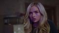 TG-Caps-1x02-rX-33-Lauren.png