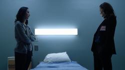 TG-Caps-1x13-X-roads-04-Polaris-Evangeline