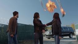 TG-Caps-1x13-X-roads-125-Eclipse-Thunderbird-Blink