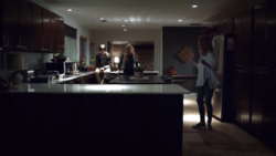 TG-Caps-1x01-eXposed-69-Andy-Lauren-Caitlin-Strucker-House