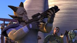 Cikatro Vizago vérifie les armes