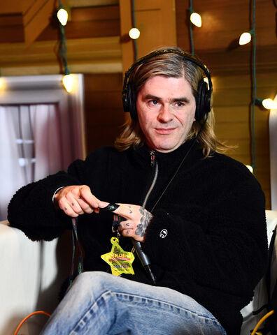 File:Paul+Thomson+KROQ+Almost+Acoustic+Christmas+oLz7qcXVEZ4l-1-.jpg