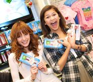 Bella-Thorne-and-Zendaya-with-Sugar-Factorys-Couture-Pops-570