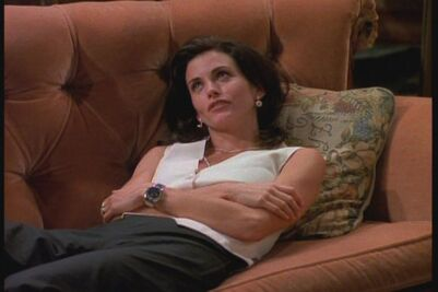 1x02-TOW-the-Sonogram-At-the-End-ross-and-monica-geller-26595585-720-480