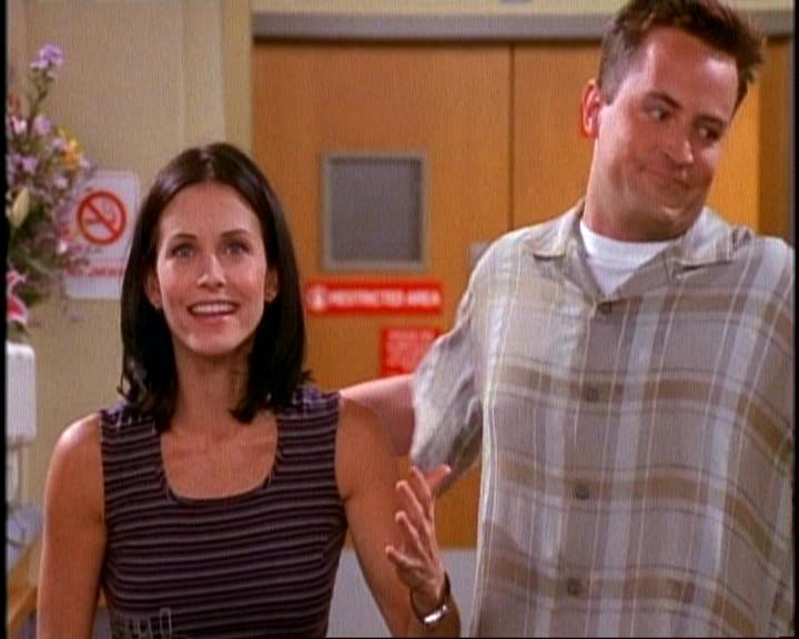 When did monica and chandler start dating