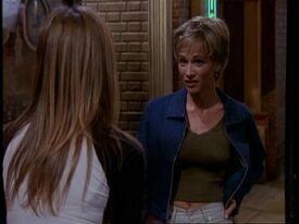 5x19 Rachel talks to Caitlin