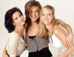 Friends-Rachel & Phoebe & Monica