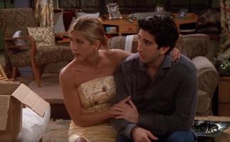 Rachel Conforts Ross (5x02)