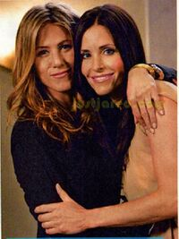 Friends-Rachel & Monica 2