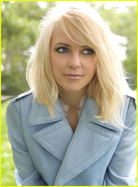 Anna Faris | Friends Central | FANDOM powered by Wikia