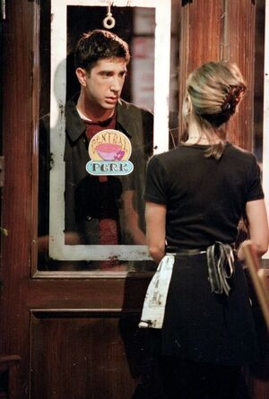 Ross and Rachel through the door