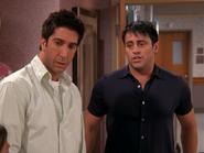 Ross & Joey (9x01)