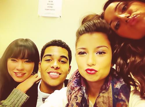 File:Cris, Alicia, AJ & Chloe.png