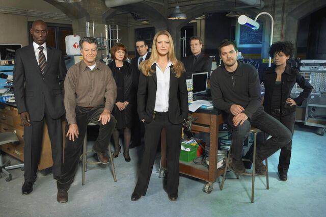File:Fringe cast.jpg