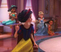 Princesas-Disney-reunidas-en-Ralph-el-demoledor-2-9