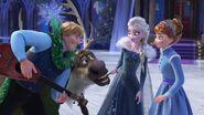 Kristoff , Sven , Elsa , Anna