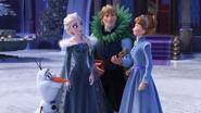 Olaf , Elsa , Kristoff , Anna