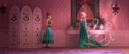 Anna Elsa w nowych strojach