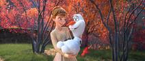 Anna holding Olaf
