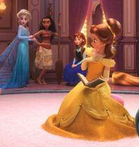 Princesas-Disney-reunidas-en-Ralph-el-demoledor-2-10