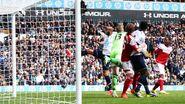 Tottenham 3-1 Fulham (Kaboul goal)