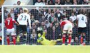 Tottenham 3-1 Fulham (Sidwell penalty)