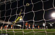 Fulham 1-1 Blackpool (Karagounis goal)