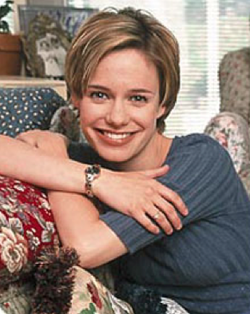 File:Andrea Barber .png