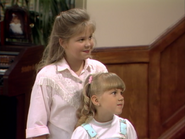 Candace Cameron as D.J. Tanner and Jodie Sweetin as Stephanie Tanner - Full House,S1 - Our Very First Show