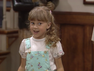Jodie Sweetin as Stephanie Tanner4 - Full House,S1 - Our Very First Show