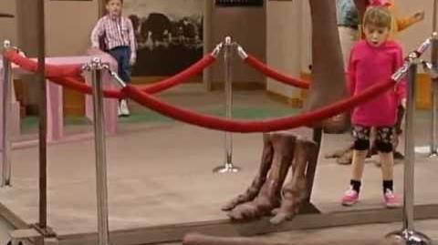 Full House - Michelle Breaks the Dinosaur