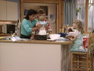 John Stamos, Dave Coulier, Jodie Sweetin and Mary-Kate or Ashley Olsen2 - Full House,S1 - Our Very First Show