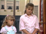 Jodie Sweetin as Stephanie Tanner and Candace Cameron as D.J. Tanner - Full House,S1 - Our Very First Show
