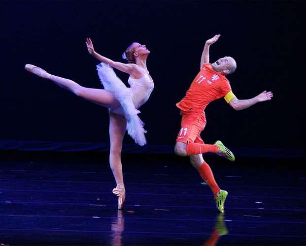 Robben-salto-meme-bailarina