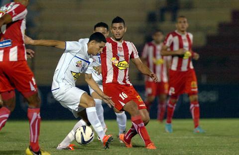 File:Liga nacional 2012 13 vida victoria 2.jpg