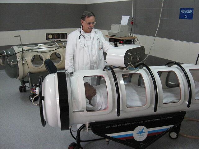 File:Barokomora Nis hyperbaric center.JPG