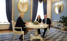 Marine Le Pen and Vladimir Putin (2017-05-24) 02