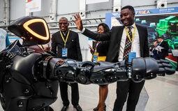 Промобот встречает гостей форума Африка-Россия 2026