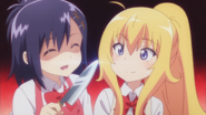 Vigne threatens Gabriel to concentrate on cooking