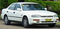 1994-1995 Toyota Camry Vienta (VDV10) CSX sedan (2011-04-02)