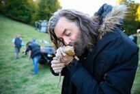 Timothy Omundson as King Richard and Bruce as Tad Cooper in Galavant