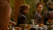Tyrion et Sansa sortent de table (4x02)